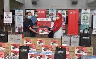 Gallery - Pengagihan Makanan Untuk Petugas Barisan Hadapan di MAEPS, Serdang (Program Kerjasama Agrobank dan mStar)