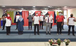 Gallery - Pengagihan Makanan Untuk Mahasiswa & Mahasiswi UPM, Serdang (Program Kerjasama Agrobank dan mStar)