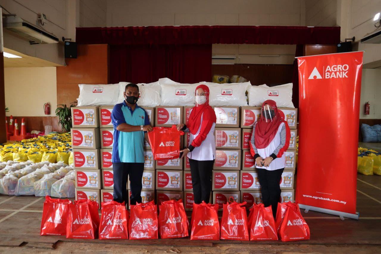 Gallery - Agrobank dan Komuniti : Bantuan Bencana Yan, Kedah pada 30 Ogos 2021