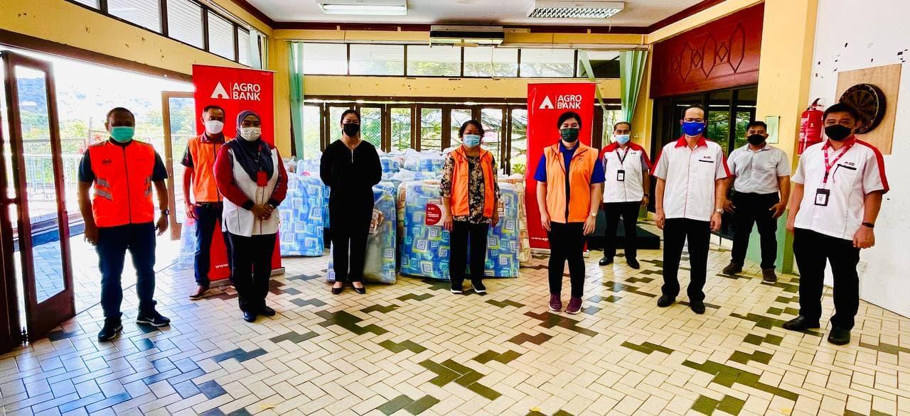 Gallery - Program Agrobank dan Komuniti : Bantuan Mangsa Banjir Penampang Sabah pada 7 Oktober 2021